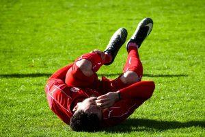 Esguince de Rodilla Grado 1 en el fútbol, ¿Qué es un Esguince de Rodilla?, ¿Cómo se produce el Esguince de Rodilla Grado 1?, Estructura anatómica de la rodilla, causas del esguince de rodilla grado 1 en el fútbol, ¿Cuáles son los grados del esguince de rodilla?, ¿Cuáles son los síntomas del esguince de rodilla grado 1 en el fútbol?, ¿Cómo se hace el diagnóstico del esguince de rodilla grado 1 en el fútbol?, Tratamientodel esguince de rodilla grado 1, Factores de riesgodel esguince de rodilla grado 1,